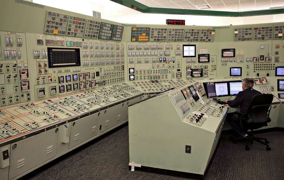 Reactors and turbines are controlled from inside the steam turbine and generator building at the Diablo Canyon Nuclear Power Plant near San Luis Obispo. Photo: Michael Macor / The Chronicle 2015