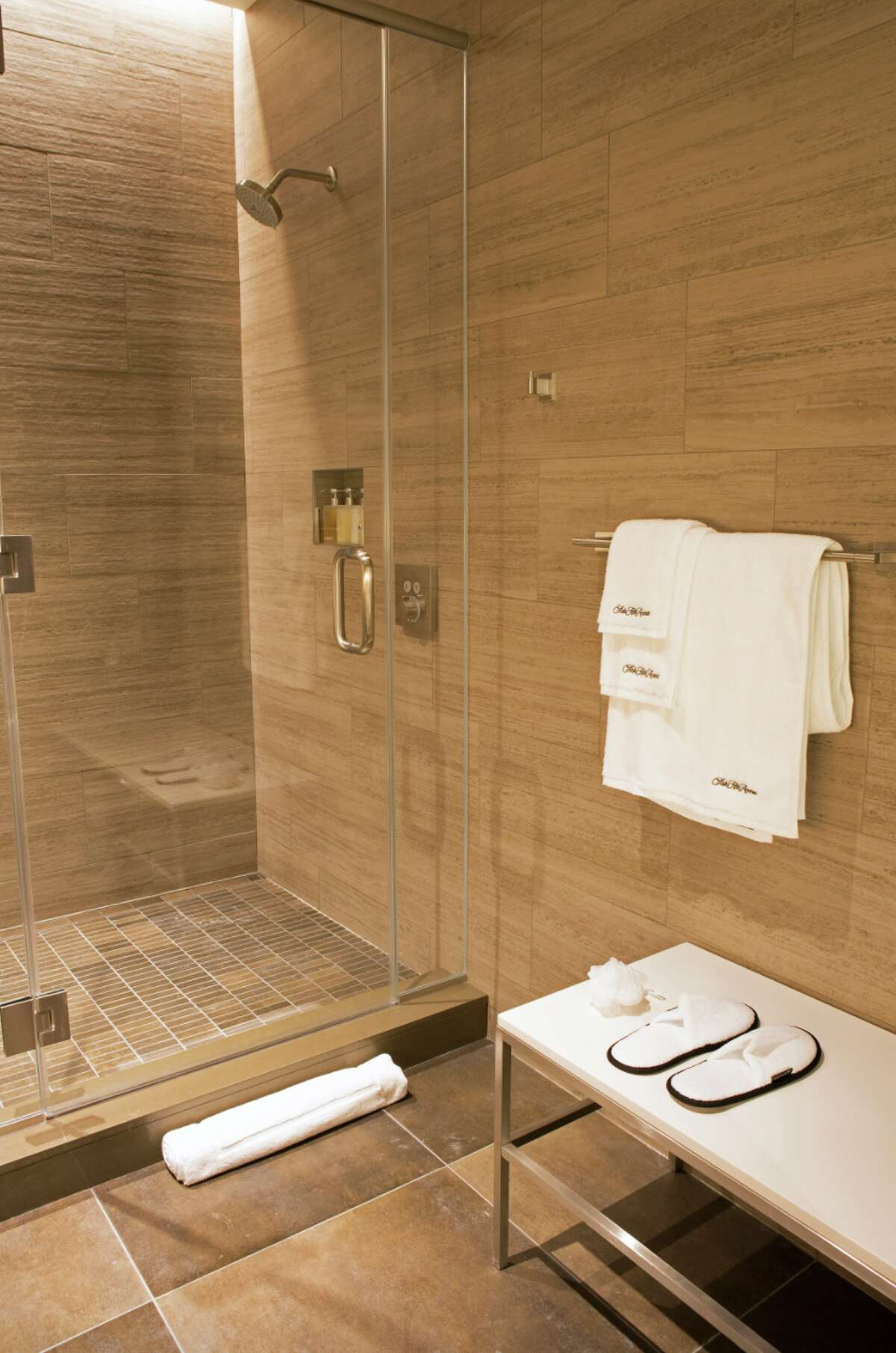 Shower suite at United's Polaris Lounge at Chicago O'Hare
