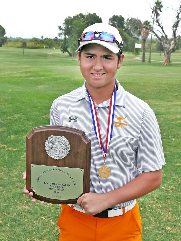 United's Gustavo Valadez won the boys' individual championship at the District 29-6A tournament earlier this month. Photo: Cuate Santos /Laredo Morning Times / Laredo Morning Times