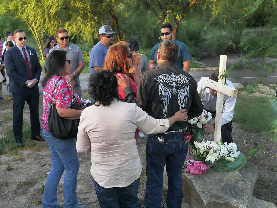 Family, friends, law enforcement representatives from organizations against domestic violence participated in a Candlelight Vigil at Father Charles M. McNaboe Park, Wednesday, April 11, 2018, to honor the memory of recent domestic violence homicide victims Grizelda Hernandez and her baby Dominick Alexander Hernandez. The event was hosted by District 5 Council Member Nelly Vielma, along with District 7 Council Member George Altgelt. Photo: Cuate Santos, Laredo Morning Times / Laredo Morning Times