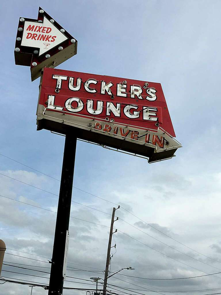 Review: Tucker\'s Kozy Korner goes all in at lunch - San Antonio ...
