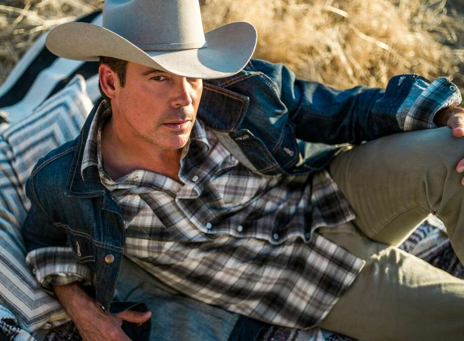 Clay Walker at the Wagner Noel Performing Arts Center