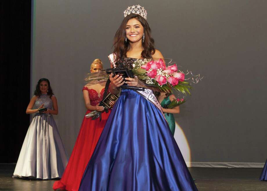 Cruze, 16, was crown Greater Helotes Texas Teen on April 7. It was her first pageant. She also earned Miss Congeniality and the Go Getter award. Photo: Jeffrey Truitt / / Copyright:Jeffrey Truitt Photography