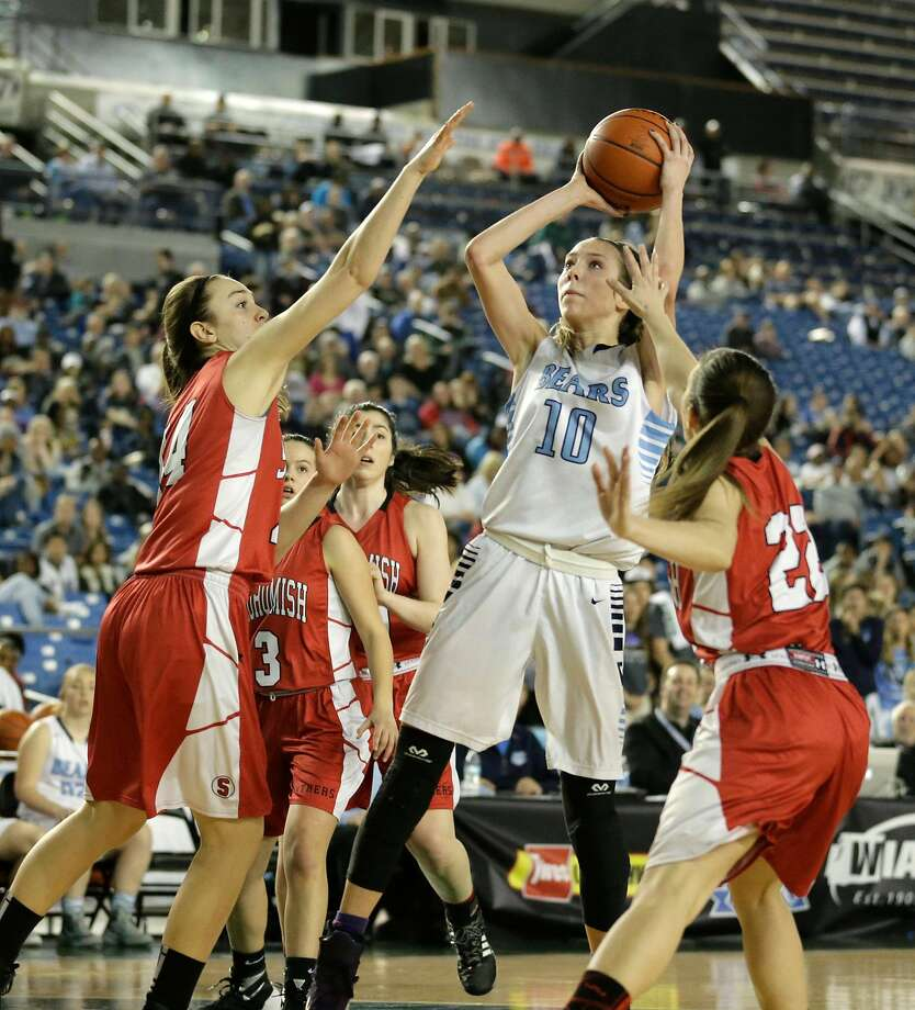 Lexie Hull (10) averaged 20.4 points and 8.4 rebounds in her senior season in high school and was named a first-team All-America by MaxPreps. Photo: Ted S. Warren / Associated Press 2016