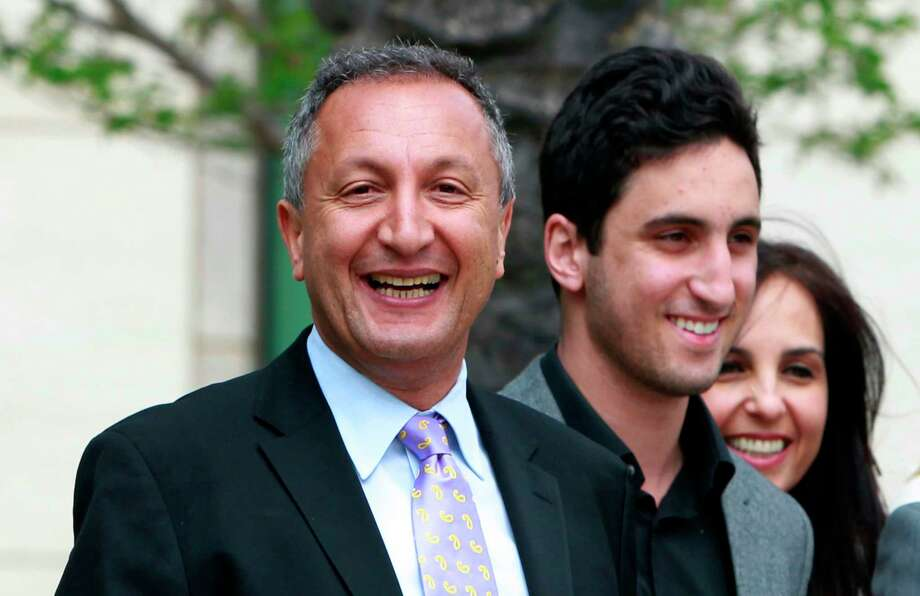 Billionaire toy marketer Isaac Larian offered to save Toys R Us from liquidation with an almost $900 million bid for its stores in the U.S. and Canada that relies in part on crowdfunding. Larian is offering $675 million for the U.S. stores and $215 million for the outlets in Canada, he said Friday in a statement. Photo: Christine Cotter, AP / AP2011