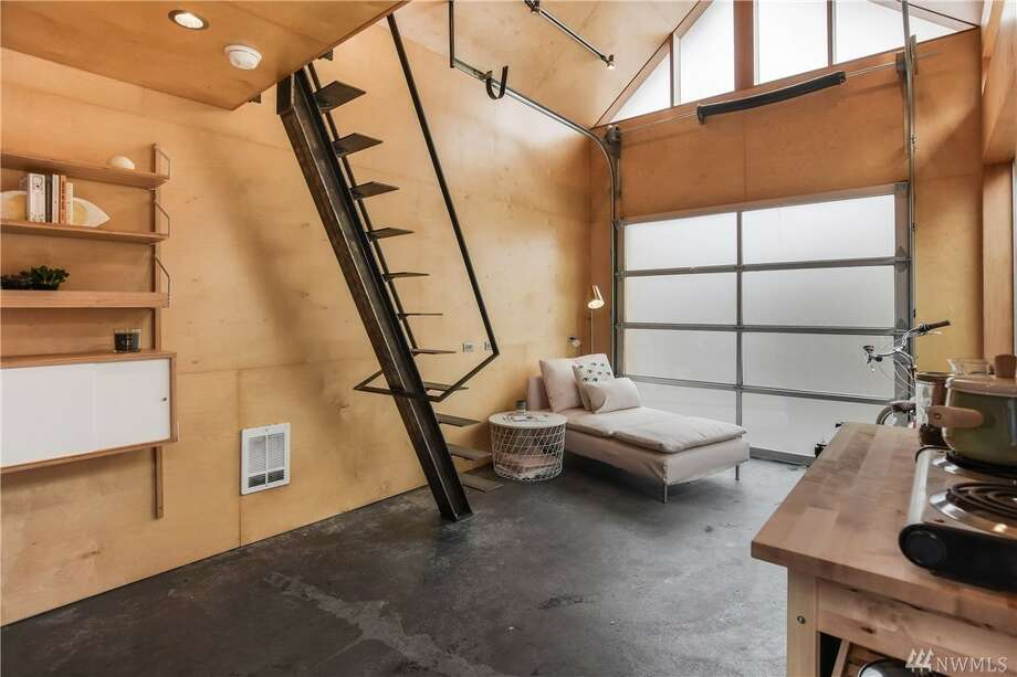 1918 Phnney Ridge bungalow, close to Woodland Park, features separate loft. Yours for $685,000... at least. Photo: Trisha Englund/Rachel Adler • Windermere Real Estate