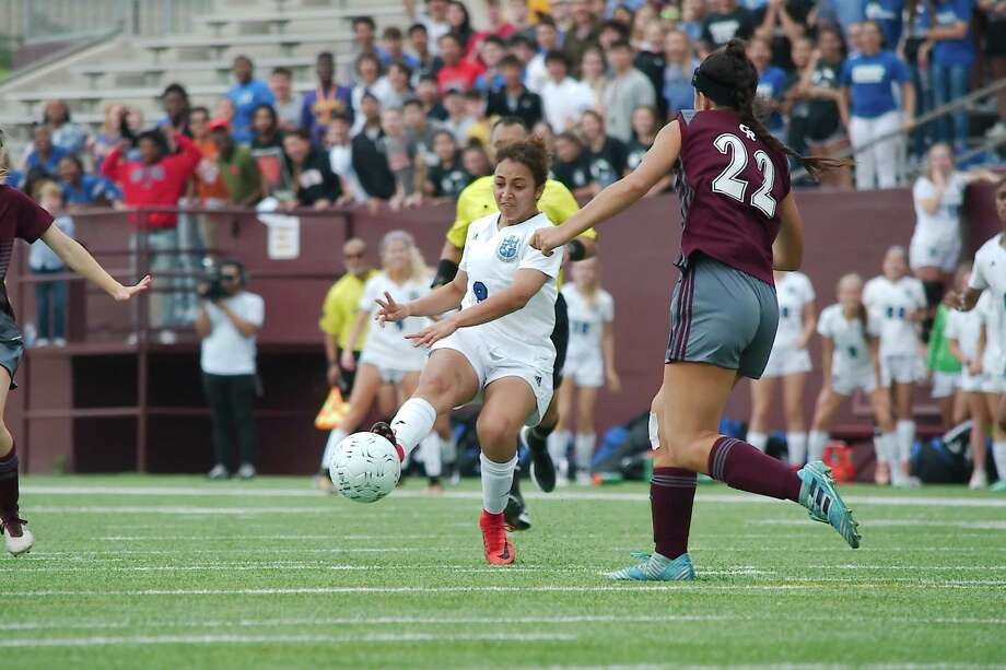 Clear Springs' Rana Hussein (9) works the ball toward the goal against Cinco Ranch Friday in a Region III-6A soccer semifinal at Deer Park High School. Photo: Kirk Sides / © 2018 Kirk Sides / Houston Chronicle