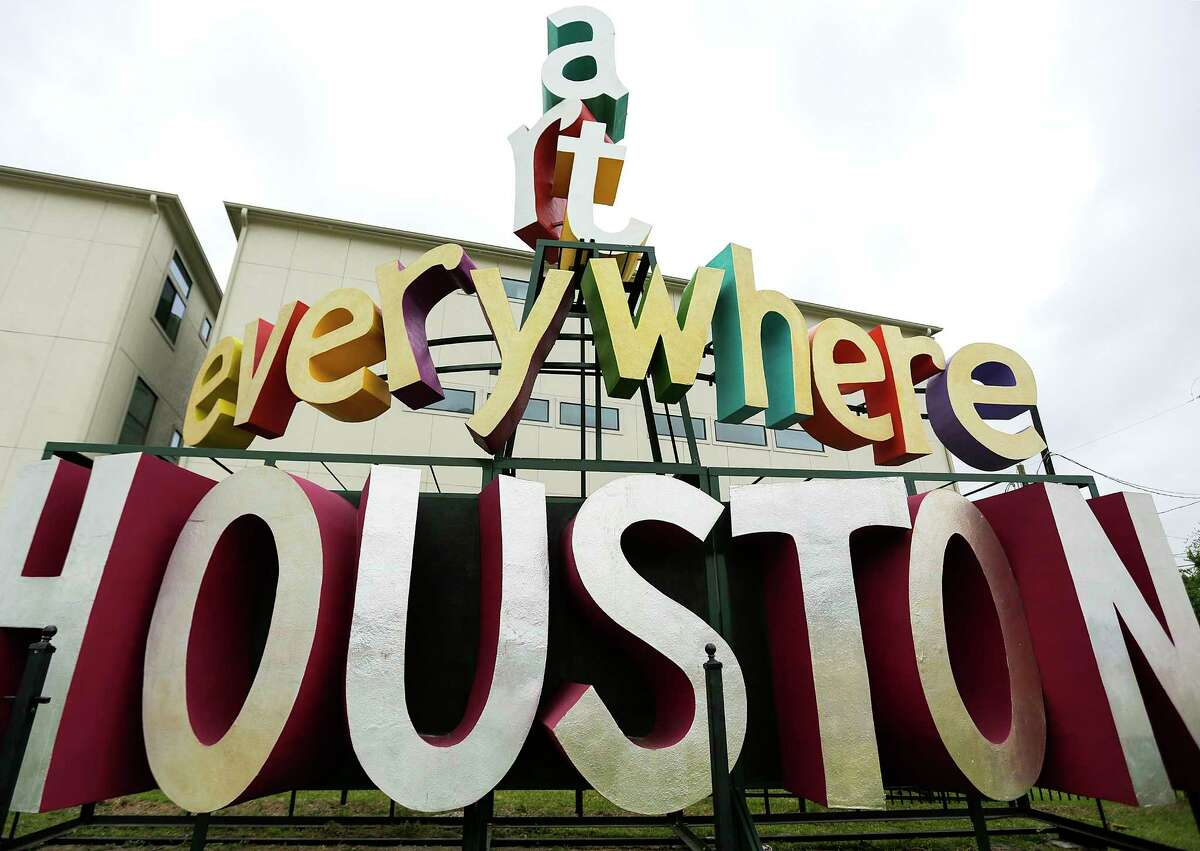 PHOTOS: Offbeat Houston landmarks that only natives will probably appreciate Go in practically every direction away from downtown and you'll find some offbeat landmark, somewhere that only we Houstonians could love. Hey, they're cool to us...