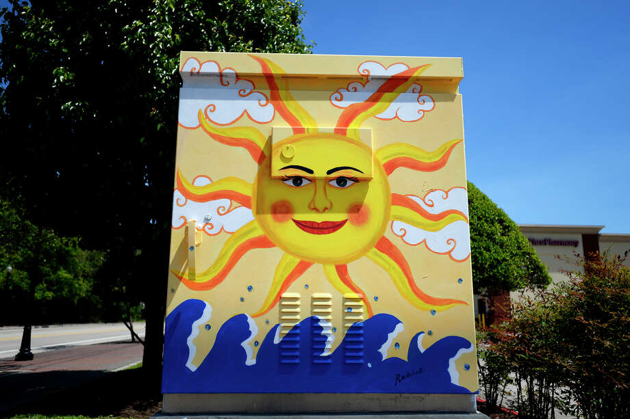 The sun, moon and stars featured on a traffic control box at the corner of Calder Avenue and 23rd Street painted by Rhonda Mitchell.  Photo taken Wednesday 4/11/18 Ryan Pelham/The Enterprise Photo: Ryan Pelham / ©2018 The Beaumont Enterprise/Ryan Pelham