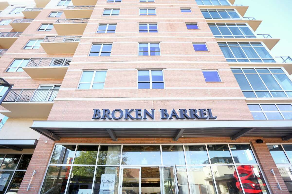 The wildly popular Mexican-Asian-Mediterranean fusion restaurant Broken Barrel closed permanently on July 29, ending a more than three year run of success for multi-faceted Owner and Chef Hilda Ysusi on the shores of Lake Woodlands in the plush Hughes Landing area of The Woodlands.