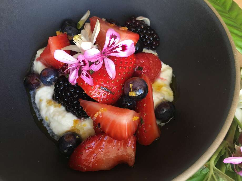 Perry Hoffman's Berries With Rose Geranium, Citrus Flowers & Creme Fraiche Photo: Sarah Fritsche / The Chronicle