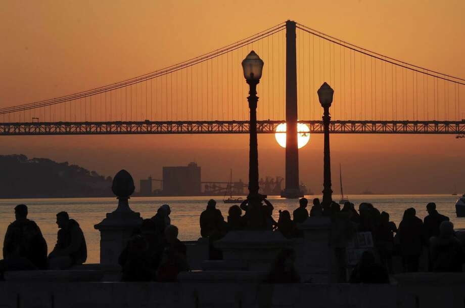 A new tour company called Off the Grid, that asks participants to put their cellphones away, is launching with a trip to Lisbon in July. Photo: Armando Franca, STF / Associated Press / Copyright 2018 The Associated Press. All rights reserved.
