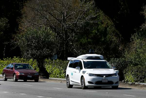 Hello, Officer! Waymo's robot-car rules for police stops