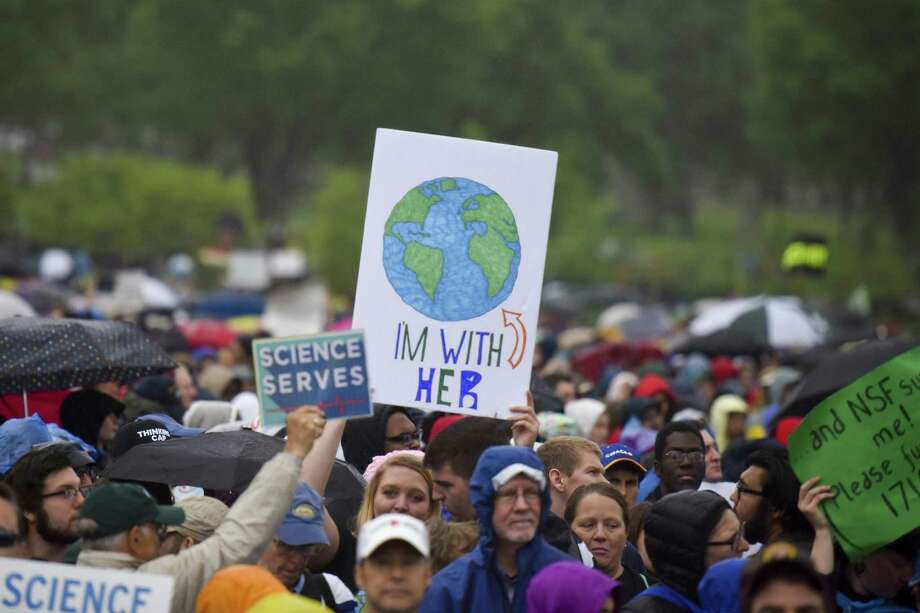 Thousands gather on the National Mall for the March for Science in Washington April 22, 2017. Photo: Jahi Chikwendiu, The Washington Post / The Washington Post / The Washington Post