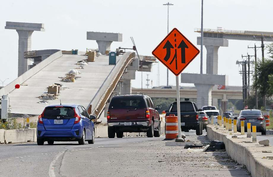 A view of the access road of southbound Loop 410 approaching Texas 151 is shown in this Aug. 6 photo. The connector from southbound Loop 410 to westbound Texas 151 is expected to open Saturday. Photo: Edward A. Ornelas /San Antonio Express-News / © 2017 San Antonio Express-News