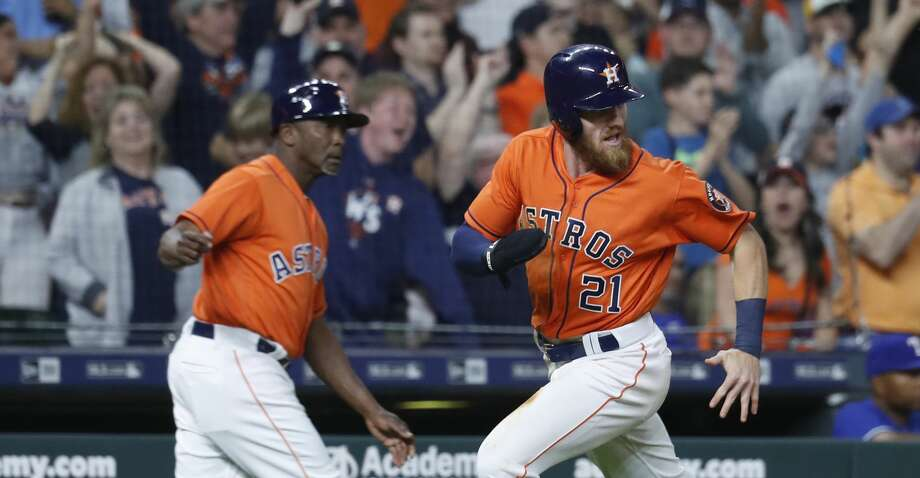 Houston Astros left fielder Derek Fisher (21) rounds third on his way home to score the winning run on a double by Max Stassi of an MLB game at Minute Maid Park, Friday, April 13, 2018, in Houston.   ( Karen Warren / Houston Chronicle ) Photo: Karen Warren/Houston Chronicle