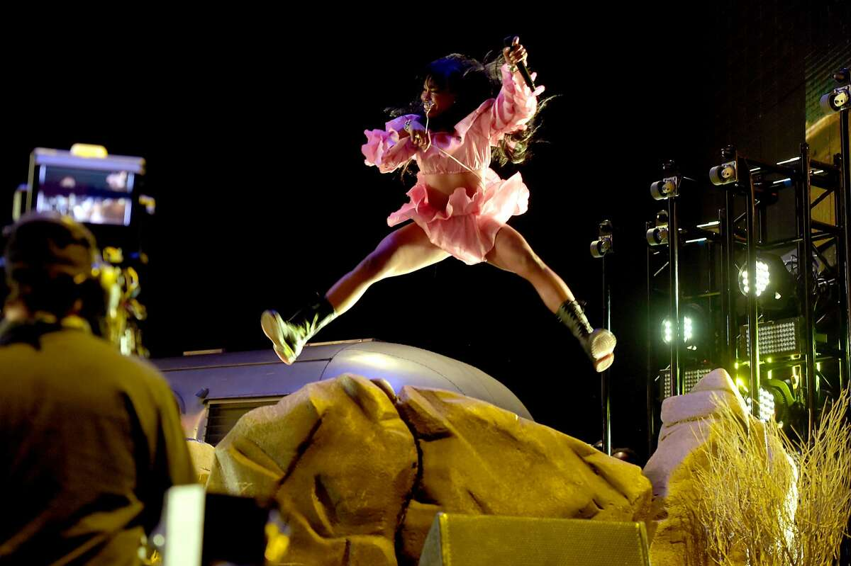 SZA performs onstage during the 2018 Coachella Valley Music And Arts Festival at the Empire Polo Field on April 13, 2018 in Indio, California. (Photo by Kevin Winter/Getty Images for Coachella)