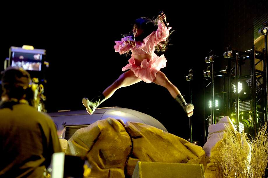 SZA performs onstage during the 2018 Coachella Valley Music And Arts Festival at the Empire Polo Field on April 13, 2018 in Indio, California.  (Photo by Kevin Winter/Getty Images for Coachella) Photo: Kevin Winter / Getty Images For Coachella