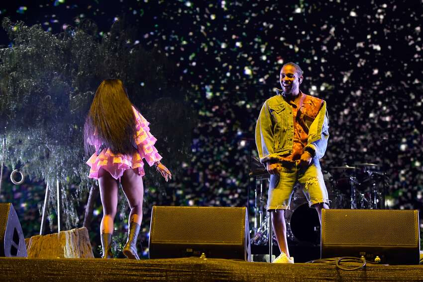 SZA and Kendrick Lamar perform onstage during the 2018 Coachella Valley Music And Arts Festival at the Empire Polo Field on April 13, 2018 in Indio, California. (Photo by Kevin Winter/Getty Images for Coachella)