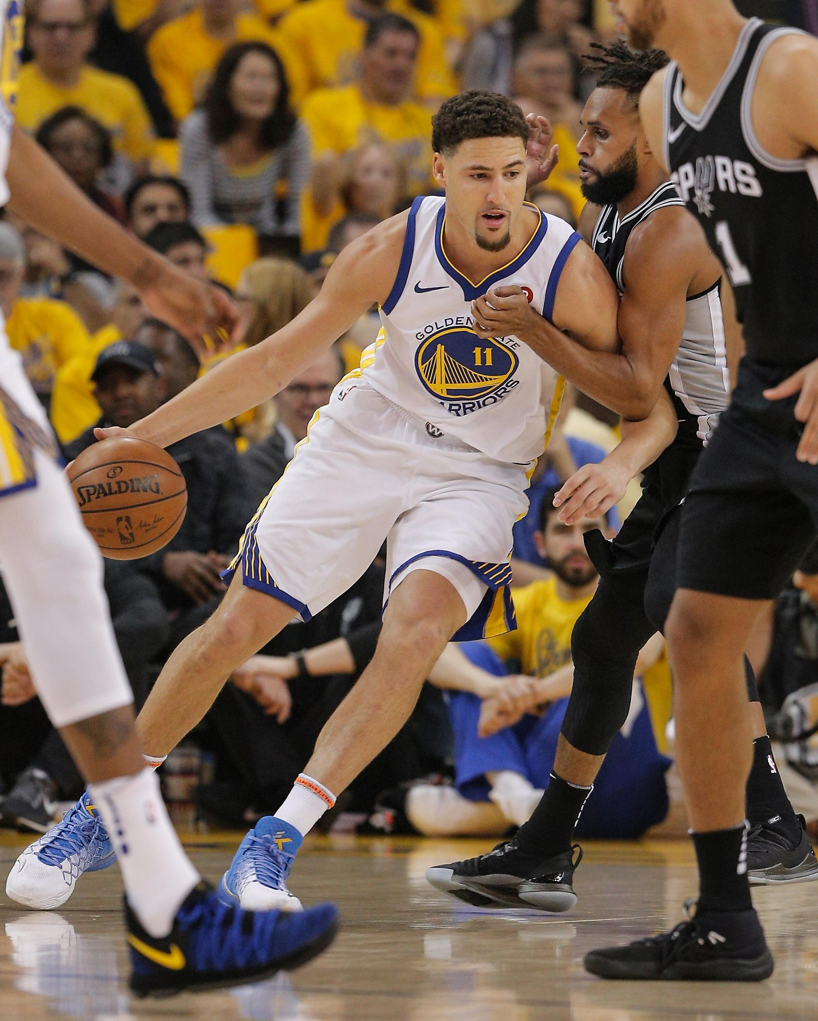 Warriors 'flip the switch' in Game 1 rout of Spurs