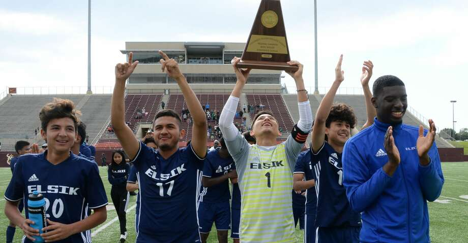 The Elsik Rams celebrate their 2-1 victory over the Strake Jesuit Crusaders for the 6A-III regional championship on Saturday, April 14, 2018 at Abshier Stadium, Deer Park, TX. Photo: Craig Moseley/Houston Chronicle