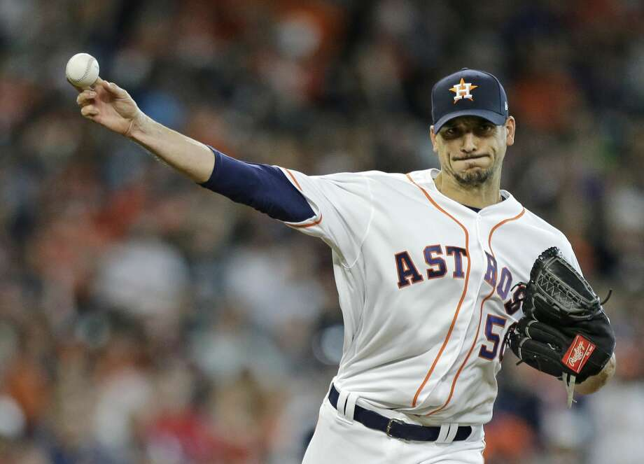 Houston Astros Charlie Morton throws to first base during the first inning of game against the Texas Rangers at Minute Maid Park Saturday, April 14, 2018, in Houston. ( Melissa Phillip / Houston Chronicle ) Photo: Melissa Phillip/Houston Chronicle