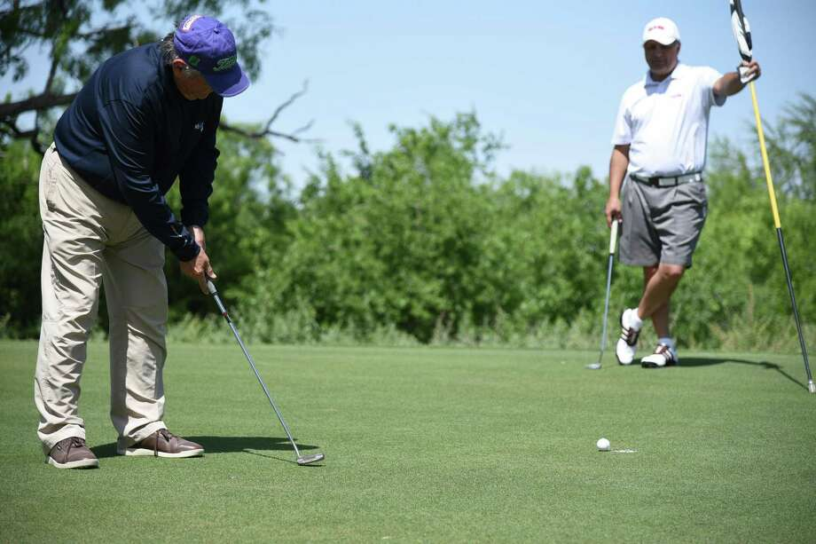Golfers participate in the Habitat for Humanity Golf Tournament at the MAX golf course, Saturday, April 14, 2018. Photo: Christian Alejandro Ocampo /Laredo Morning Times / Laredo Morning Times