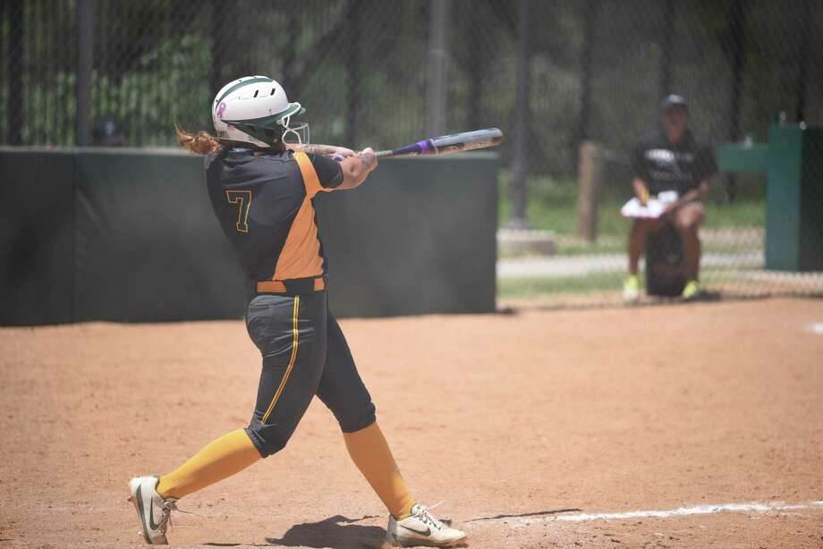 The Palominos (8-26, 4-18 Region XIV) split their doubleheader with LSCPA on Saturday. They fell 10-4 in the opener but stole a 7-5 victory in Game 2. Photo: Danny Zaragoza /Laredo Morning Times File / Laredo Morning Times