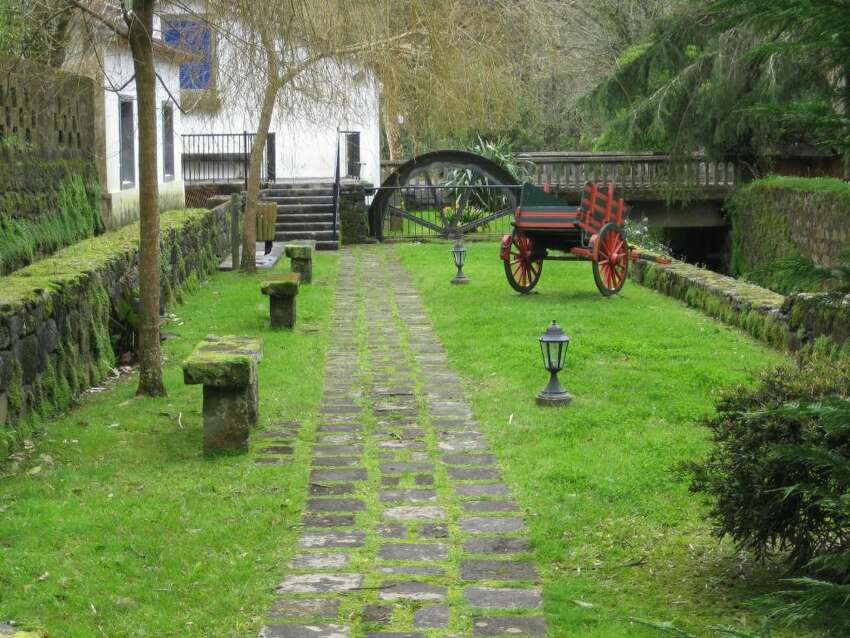 A small public park, with an aqueduct on one side, in the village of Logoa Das Furnas reveals not only the history of the islands, but also the pride the islanders take in their land. (K.D. NORRIS)