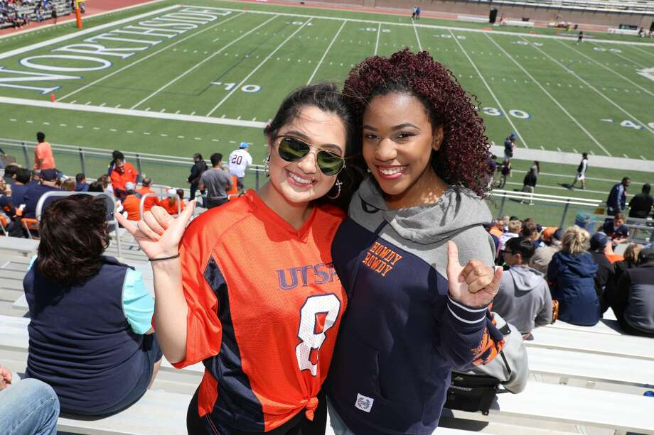 UTSA's annual Spring Game showcased the Roadrunners' talent as they prepare for a run at a bowl game this upcoming season, and fans loved every moment of it Saturday, April 14, 2018, at Dub Farris Stadium. Photo: Marco Garza For MySA