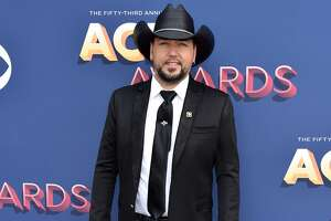 LAS VEGAS, NV - APRIL 15:  Jason Aldean attends the 53rd Academy of Country Music Awards at MGM Grand Garden Arena on April 15, 2018 in Las Vegas, Nevada.  (Photo by John Shearer/WireImage)