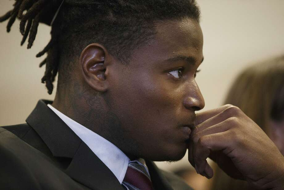 San Francisco 49ers linebacker Reuben Foster appears for his arraignment at the Santa Clara County Hall of Justice in San Jose, Calif., Thursday, April 12, 2018. Foster has been charged with felony domestic violence after being accused of attacking his girlfriend, authorities said. (Dai Sugano/San Jose Mercury News via AP, Pool) Photo: Dai Sugano / Associated Press