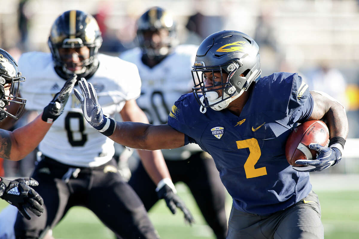 TOLEDO, OH - NOVEMBER 24: Toledo Rockets running back Terry Swanson (2) runs with the ball during game action between the Western Michigan Broncos and the Toledo Rockets on November 24, 2017 at Glass Bowl Stadium in Toledo, Ohio. Toledo defeated Western Michigan 37-10 to advance to the MAC championship game. (Photo by Scott W. Grau/Icon Sportswire via Getty Images)