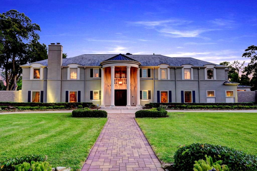 Beautiful homes for sale in houston 39 s historic riverside for Beautiful homes in houston