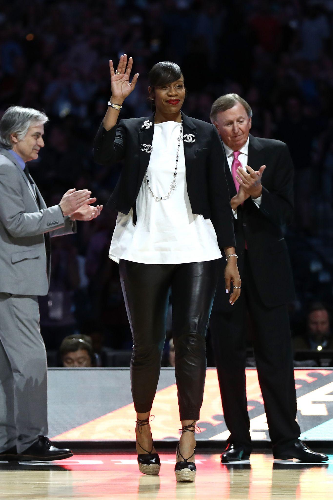 Virginia Hires Texas Assistant Tina Thompson As Head Coach