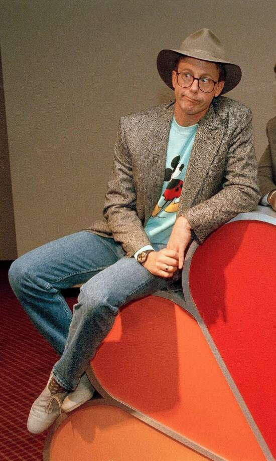 """FILE - In this May 19, 1988, file photo, Harry Anderson poses after a press conference in New York. Authorities said, Monday, April 16, 2018, that actor Harry Anderson of """"Night Court"""" comedy series fame died in North Carolina. (AP Photo/Richard Drew, File) Photo: Richard Drew / Associated Press 1988"""