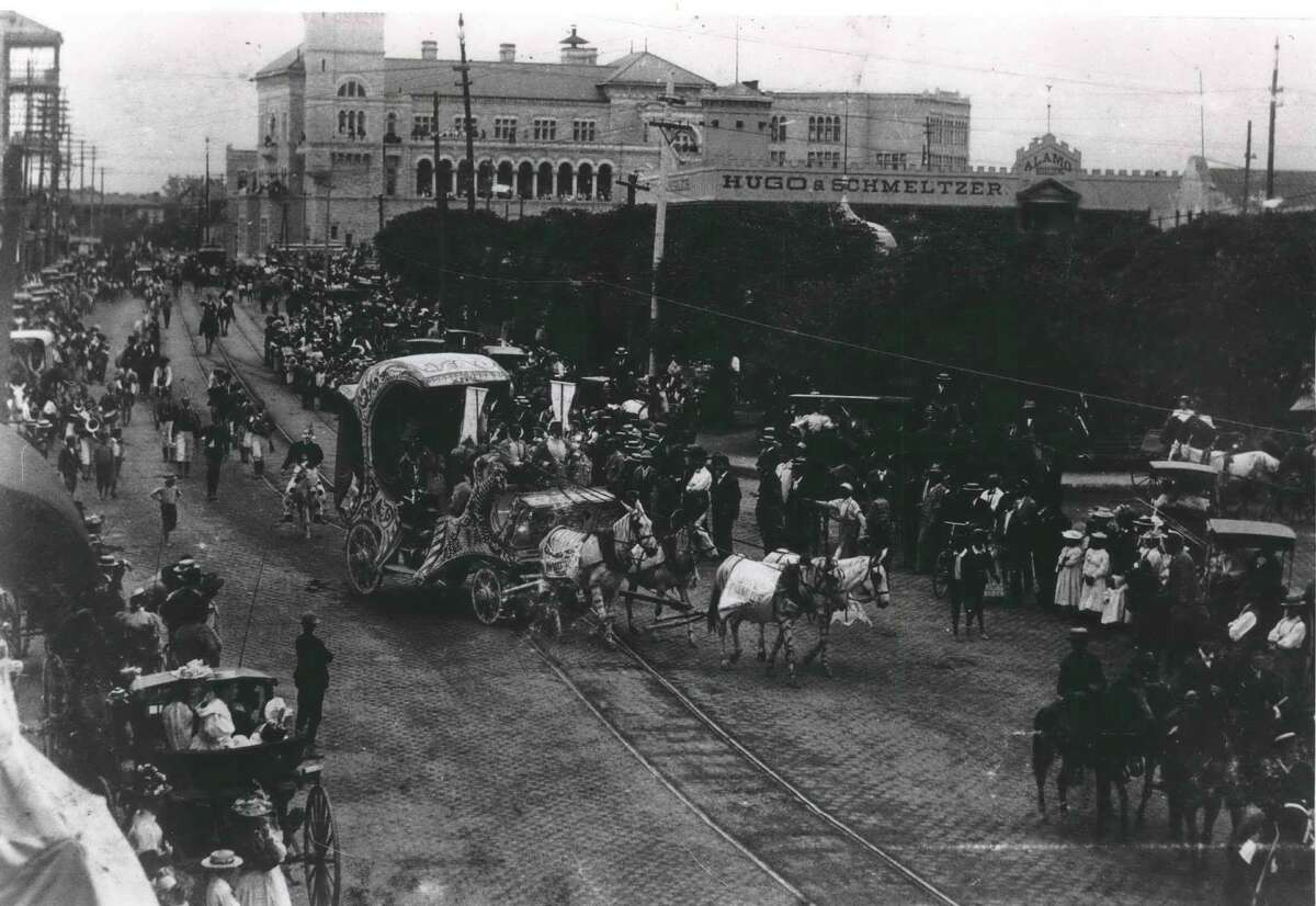 The Battle of Flowers parade in 1893.