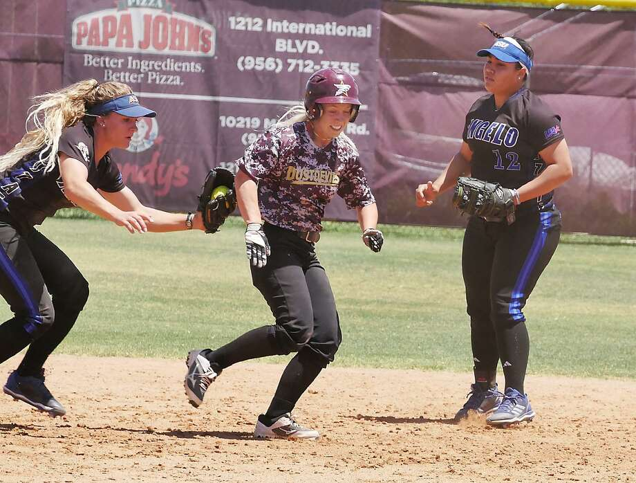 Lindsey Smith hit a home run for the second time in three games Monday, but TAMIU dropped both games of its doubleheader with Angelo State losing 15-11 and 16-0. Photo: Cuate Santos /Laredo Morning Times / Laredo Morning Times