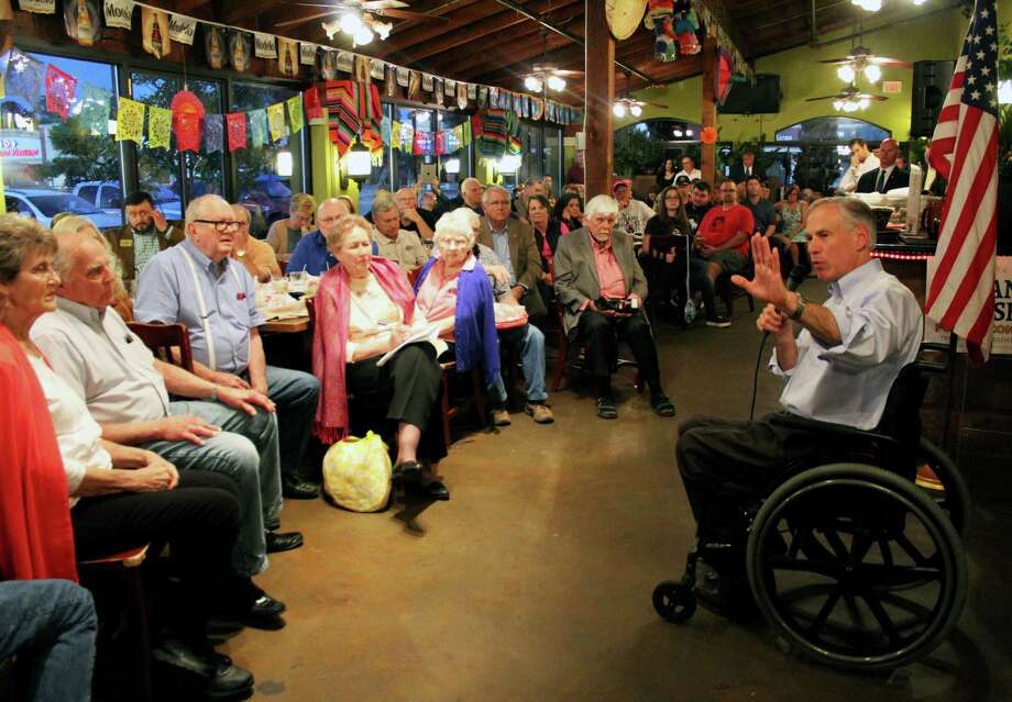 Governor Greg Abbott gave an update Kingwood residents on the dredging of the San Jacinto River. Photo: Kaila Contreras