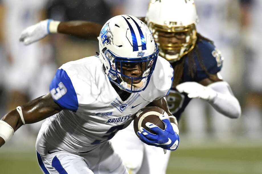 MIAMI, FL - OCTOBER 29:  Middle Tennessee wide receiver Richie James (3) returns a kickoff in the first quarter as the Middle Tennessee Blue Raiders defeated the FIU Golden Panthers, 42-35, on October 29, 2016, at FIU Stadium in Miami, Florida. (Photo by Samuel Lewis/Icon Sportswire via Getty Images) Photo: Icon Sportswire/Icon Sportswire Via Getty Images