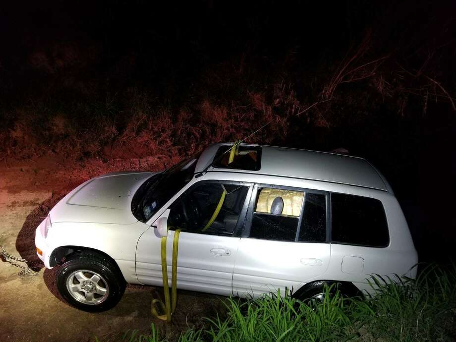 Border Patrol agents found more than $700,000 of marijuana in a SUV plunged in the Rio Grande on April 15, 2018. Photo: Border Patrol