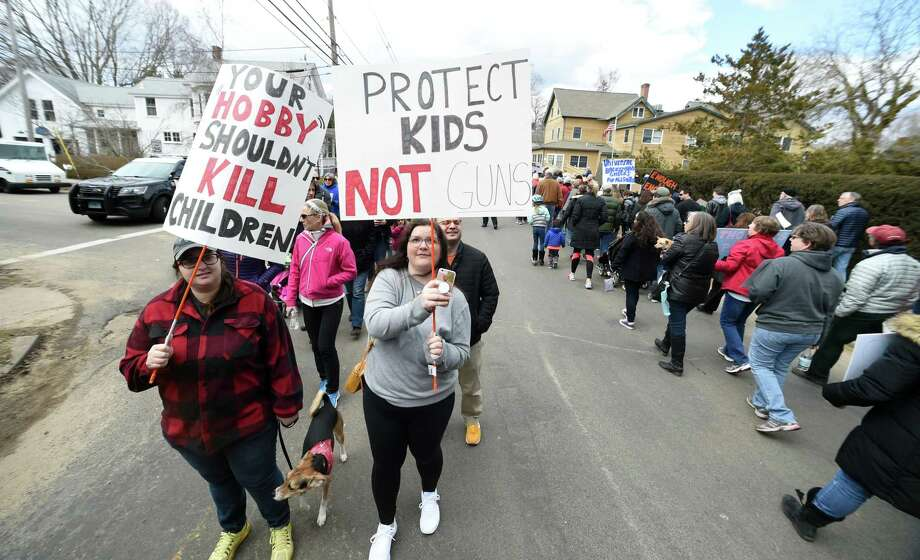 Madison students' 'Violence to Voices' rally on the Green follows the March for our Lives event on the Guilford Green on March 24, 2018. Photo: Arnold Gold / Hearst Connecticut Media / New Haven Register