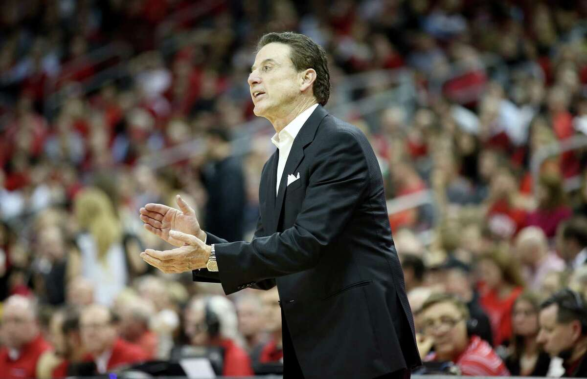LOUISVILLE, KY - JANUARY 11: Rick Pitino the head coach of the Louisville Cardinals gives instructions to his team during the game against the Pittsburgh Panthers at KFC YUM! Center on January 11, 2017 in Louisville, Kentucky. (Photo by Andy Lyons/Getty Images) ORG XMIT: 671040029