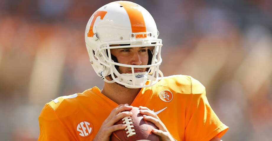 KNOXVILLE, TN - SEPTEMBER 09:  Quinten Dormady #12 of the Tennessee Volunteers warms up on the field prior to the game against the Indiana State Sycamores at Neyland Stadium on September 9, 2017 in Knoxville, Tennessee.  (Photo by Michael Reaves/Getty Images) Photo: Michael Reaves/Getty Images