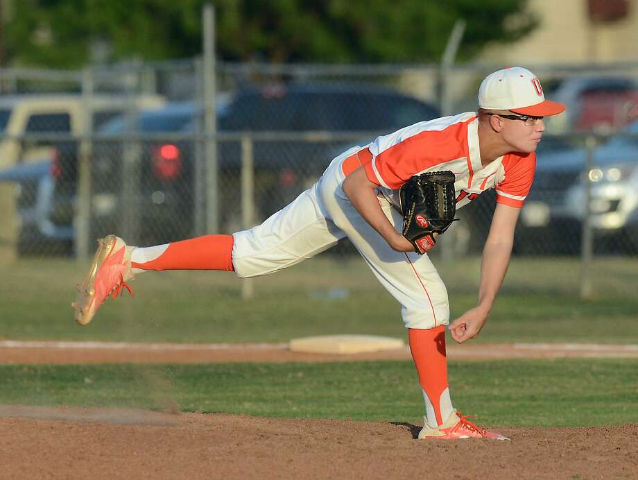 Oscar Cuello and United lost 8-4 Tuesday against Eagle Pass at Krueger Field and fell into fourth place in District 29-6A. Photo: Cuate Santos /Laredo Morning Times / Laredo Morning Times