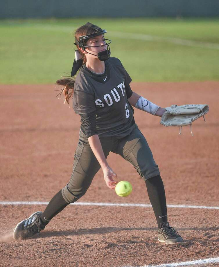 Rebeca Garcia earned the win in United South's 10-3 victory over Mission on Thursday as the Lady Panthers won two games to open the Brownsville tournament. Photo: Danny Zaragoza /Laredo Morning Times File