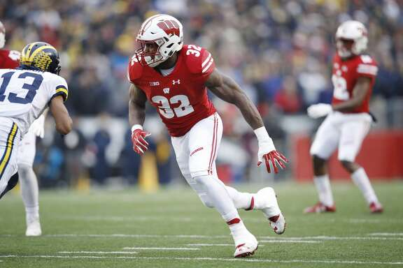 MADISON, WI - NOVEMBER 18: Leon Jacobs #32 of the Wisconsin Badgers in action during a game against the Michigan Wolverines at Camp Randall Stadium on November 18, 2017 in Madison, Wisconsin. Wisconsin won 24-10. (Photo by Joe Robbins/Getty Images)