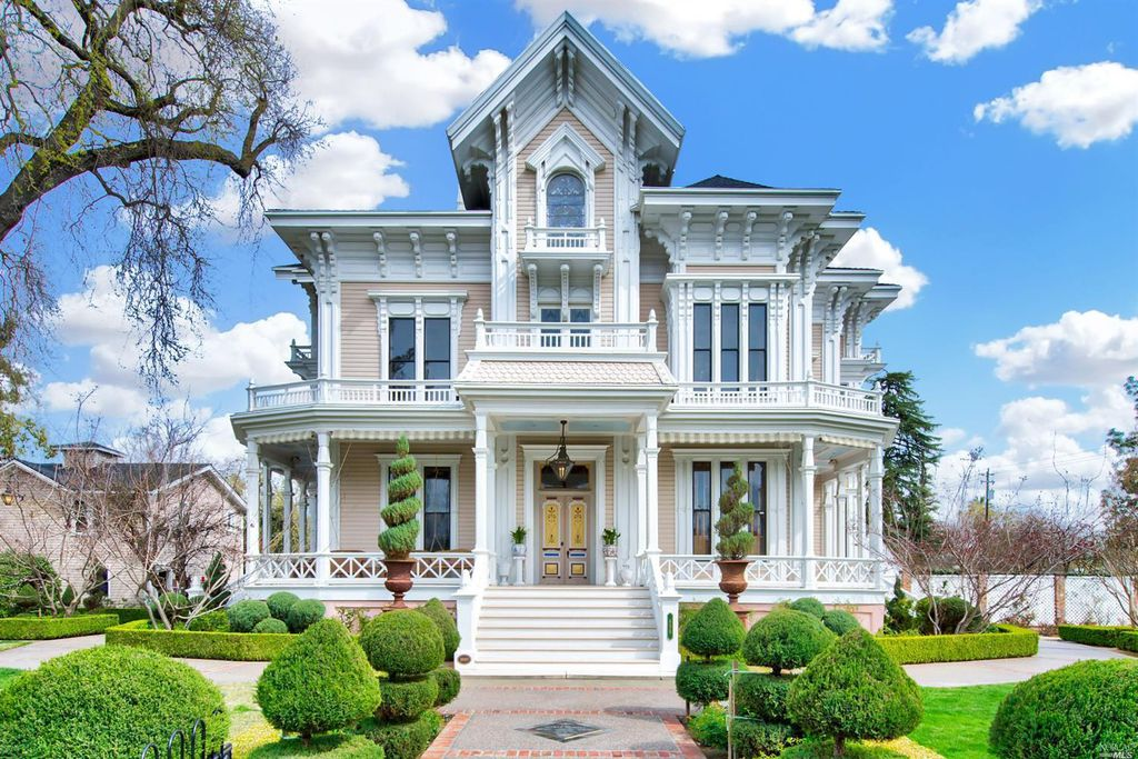 sutherlin mansion Create your own walking tour with sutherlin mansion and 2 landmarks nearby click build your route to find your own scenic walk with sutherlin mansion.