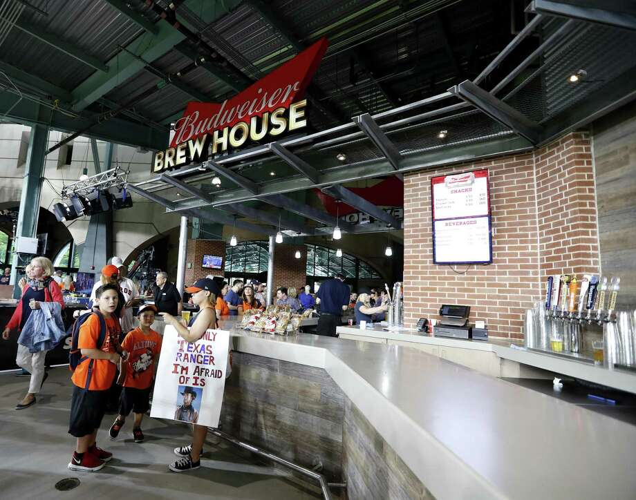 The Texican's guide to drinking at Minute Maid Park ...