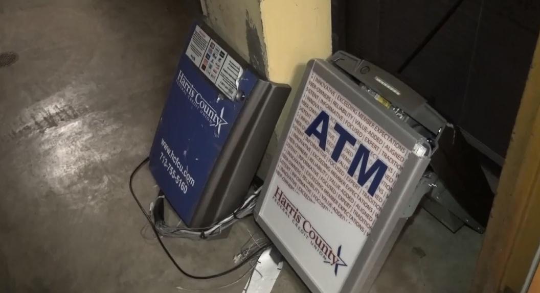 Burglars target ATM in Baytown courthouse - Houston Chronicle